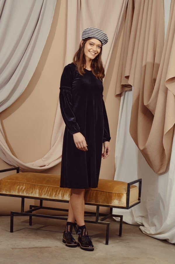 שמלות צנועות שמלת אירית שחורה