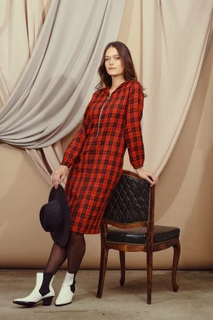 שמלות צנועות שמלת סקוטית שחור-אדום